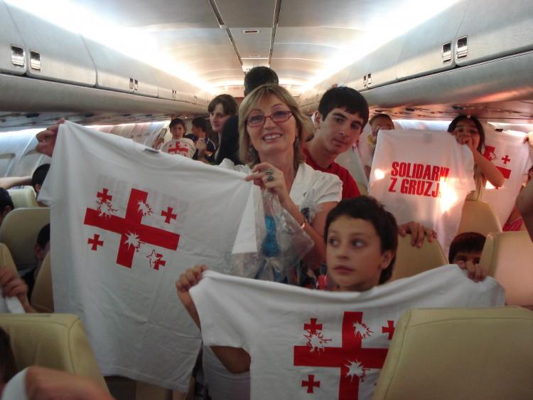Dzieci z Gruzji na pokładzie prezydenckiego samolotu