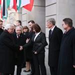 Na zaproszenie Prezydenta śp.Lecha Kaczyńskiego przyjechał do Polski z oficjalną wizytą prezydent Autonomii Palestyńskiej Mahmud Abbas.   Polska była, jest i pozostanie w bardzo dobrych relacjach z narodem palestyńskim i władzami Palestyny - oświadczył Prezydent na briefingu w Pałacu Prezydenckim  Prezydent złożył też propozycję pomocy psychologicznej dla dzieci palestyńskich skrzywdzonych w wyniku ofensywy izraelskiej w strefie Gazy